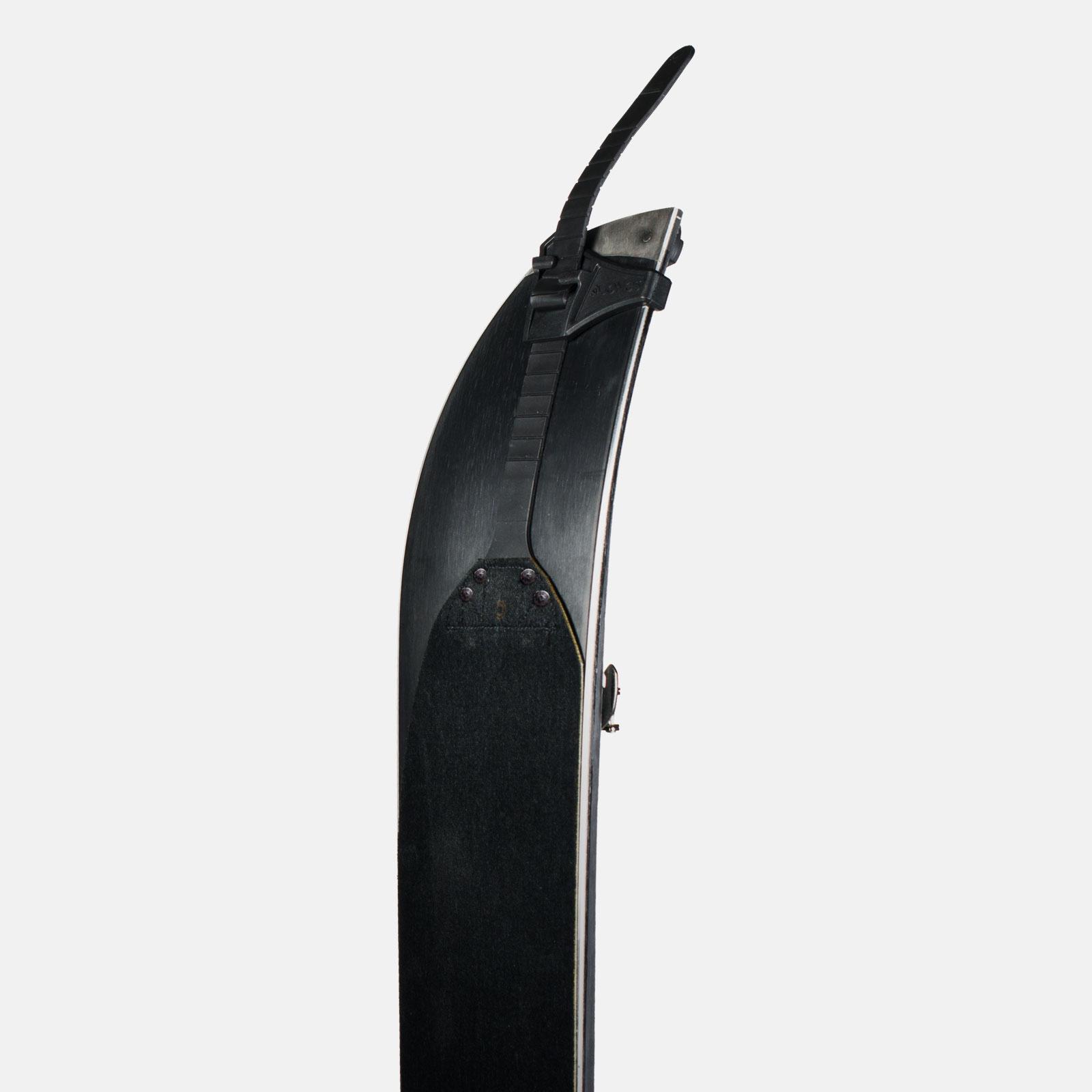 Universal-tail-clip-photo.jpg